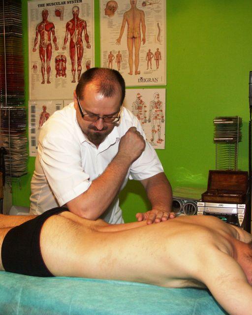 masaż głęboki i terapie punktów bólu kręgosłupa
