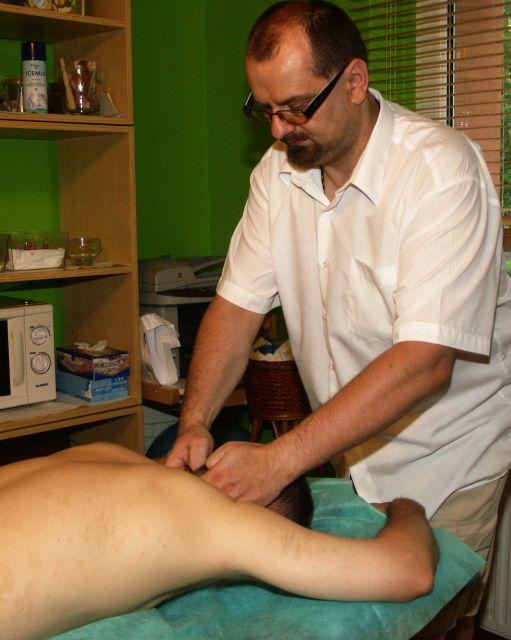 masaż i nastawianie kręgosłupa szyjnego